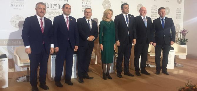 Ulaştırma, Denizcilik ve Haberleşme Bakanı Arslan Gürcistan'da