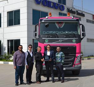 Mersin ve İstanbul merkezli Uzman Ağır Nakliyat, yeni teslim aldığı 540hp gücünde Volvo Trucks FH13 6x4 ile filosunu güçlendirdi.
