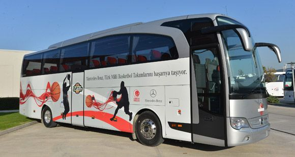 Mercedes-Benz Türk A Milli Basketbol Takım Otobüsünü Yeniledi