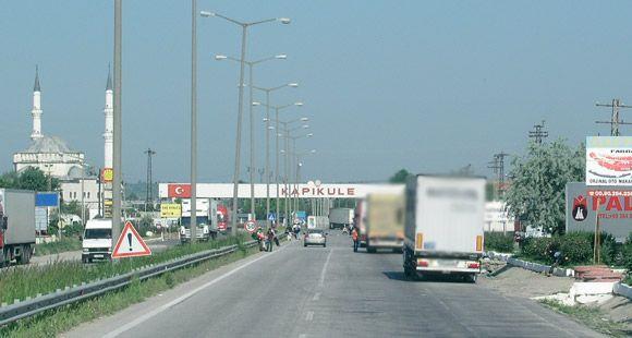 """IKV: """"Bulgaristan'ın Transit Geçişi Engellemesi Gümrük Birliği ve DTÖ'ye Aykırıdır"""""""