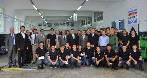 Bosch Car Service Eğitim Laboratuvarı İlk Mezunlarını Verdi