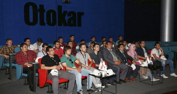 Afyon Kocatepe Üniversitesi Öğrencileri Otokar Fabrikasını Ziyaret Etti