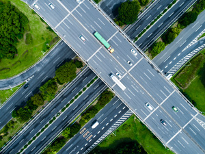 Technology and automation will define the future of road transport according to new IRU research, but significant obstacles stand in the way