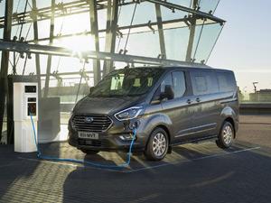 """Ford Ticari Araç Ürün Gamının Elektrikli ve Bağlantılı Geleceğini """"Go Further"""" Etkinliğinde Tanıttı"""