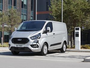 2020 Uluslararası Yılın Ticari Aracı Ödülünü Hibrit Teknolojisiyle Ford Aldı