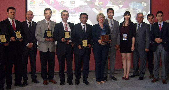 Çelebi'ye Bir Ödül de Havacılık Öğrencilerinden Geldi