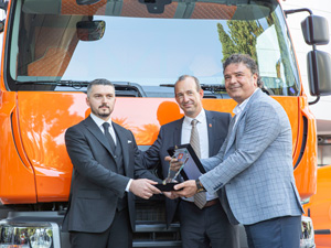 Murat Lojistik'ten 100 Adetlik Renault Trucks D Serisi Kamyon Yatırımı