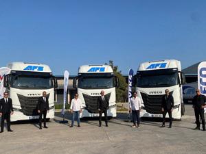IVECO'dan İzmir'de S-WAY Çekici Teslimatı