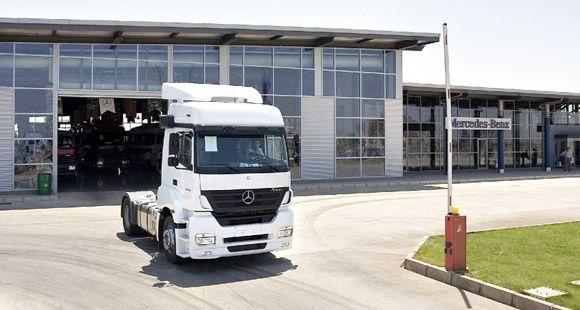 Mercedes-Benz Türk, Sürüş Eğitimleri İle Trafikte Güvenliği Arttırıyor