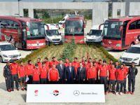 Mercedes-Benz Türk A Mili Futbol Takımını Yalnız Bırakmadı