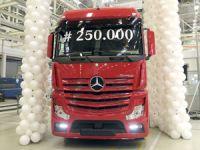 Mercedes-Benz Türk 250 Bininci Kamyonunu Üretti