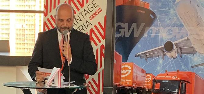 Dünyanın en eski taşımacılık şirketi olan Avusturyalı Gebrüder Weiss, İzmir'de düzenlediği etkinlikte Egeli ve İzmirli müşterileri ile bir araya geldi.