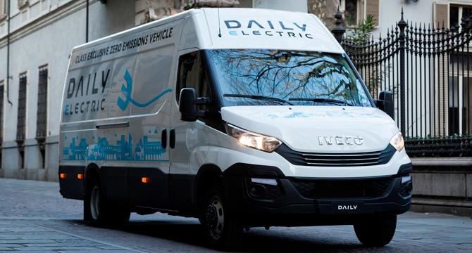 """IVECO Daily Electric de van kategorisinde """"Yılın Sürdürülebilir Aracı"""" seçildi."""