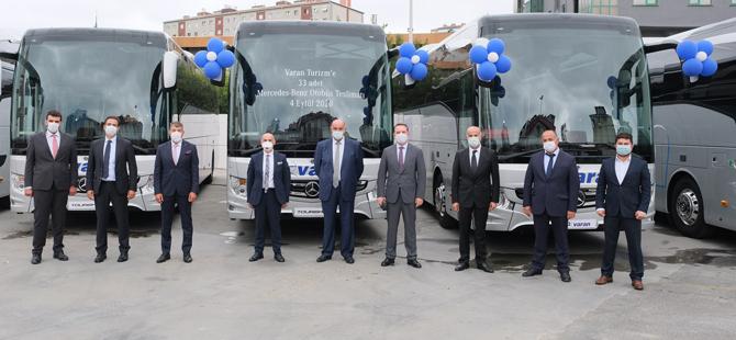 Varan Turizm, Mercedes-Benz Türk Hoşdere Otobüs Fabrikası'nda üretilen ve bugünkü değeriyle 70 milyon TL'yi aşkın 33 adet yeni otobüs alımı gerçekleştirerek 2020'nin bu alandaki en büyük yatırımına imza attı.