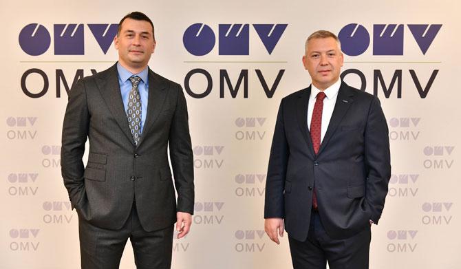 OMV Türkiye Genel Müdürü Serkan Hotoğlu ve Iveco Türkiye Genel Müdürü Hakkı Işınak