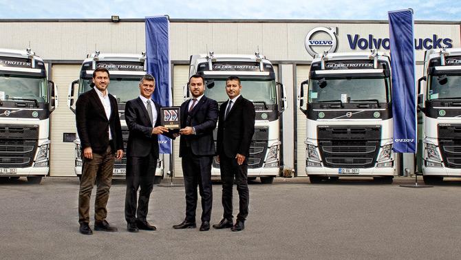 Volvo Trucks Özakar Nakliyat'a 10 adet Turbo Compound motorlu Volvo FH500 HP