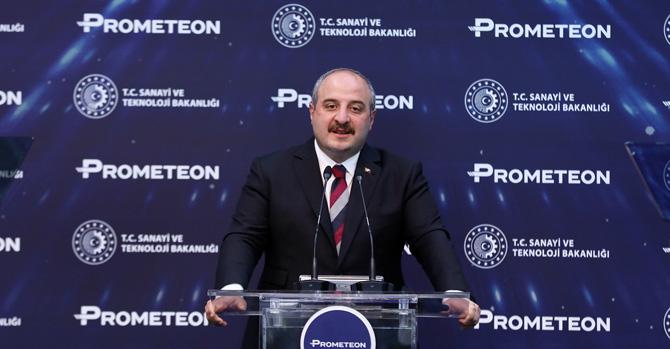 T.C. Sanayi ve Teknoloji Bakanı Mustafa Varank
