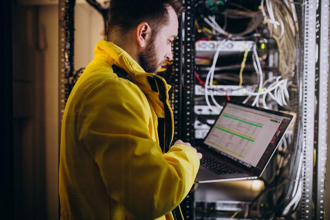 COVID-19 öncesi de gündemde olan ancak iş modellerinde hızlı bir şekilde değişimle önemi daha iyi anlaşılan dijitalleşme, lojistik süreçlerin yönetilmesi için en önemli unsurlardan biri haline geldi.