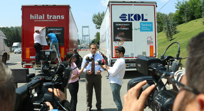 Avrupa'ya Demokrasi Mesajını Türk Treylerleri Taşıyor