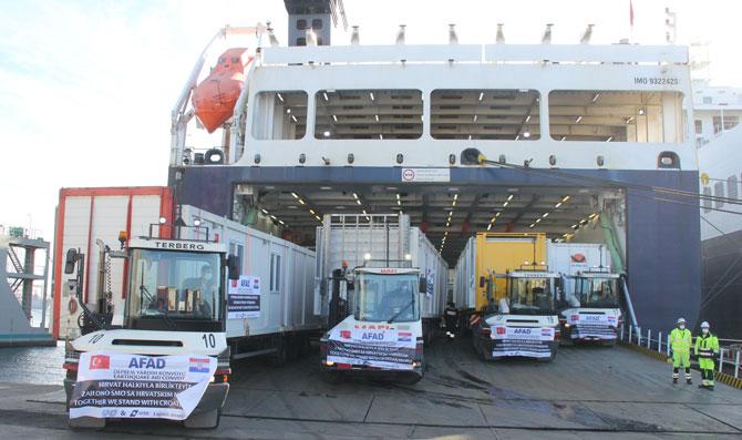 Uluslararası Nakliyeciler Derneği (UND) ve DFDS Denizcilik ve Taşımacılık A.Ş işbirliği ile yola çıkan yardım konvoyu 100 adet Yaşam Evi Konteynerini ihtiyaç sahiplerine teslim edecek.
