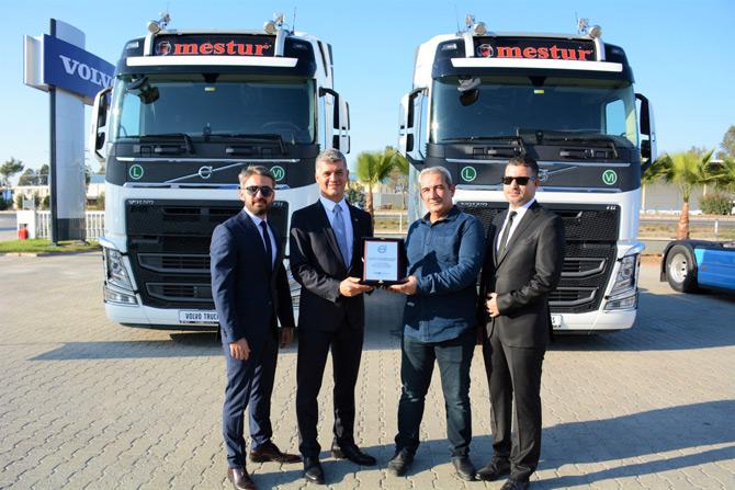Volvo Trucks, Mestur Nakliyat'a 15 adet Turbo Compound motorlu Volvo FH500