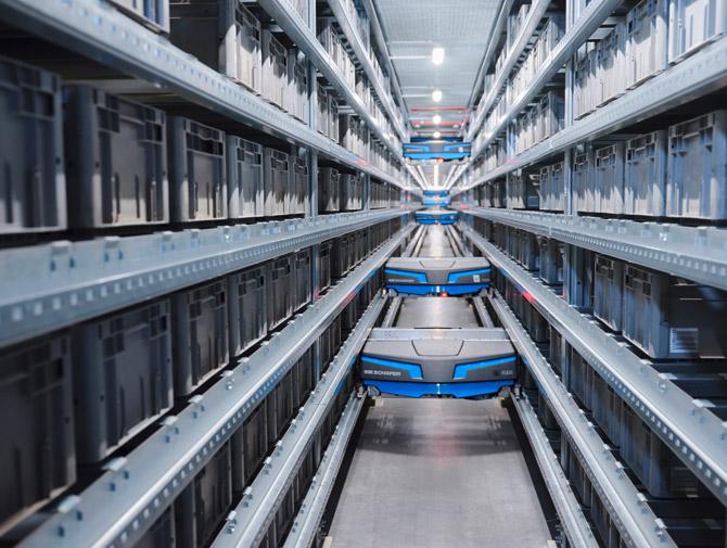 warehouse-automation-vva-single-level-shuttle-ssi-flexi-arvato-supply-chain-solutions.jpg
