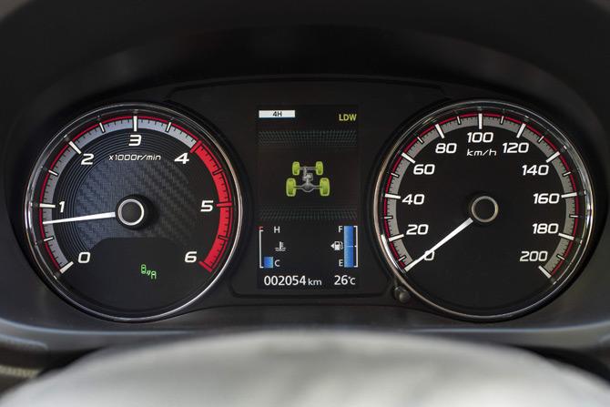 yeni-nesil-l200-6.jpg
